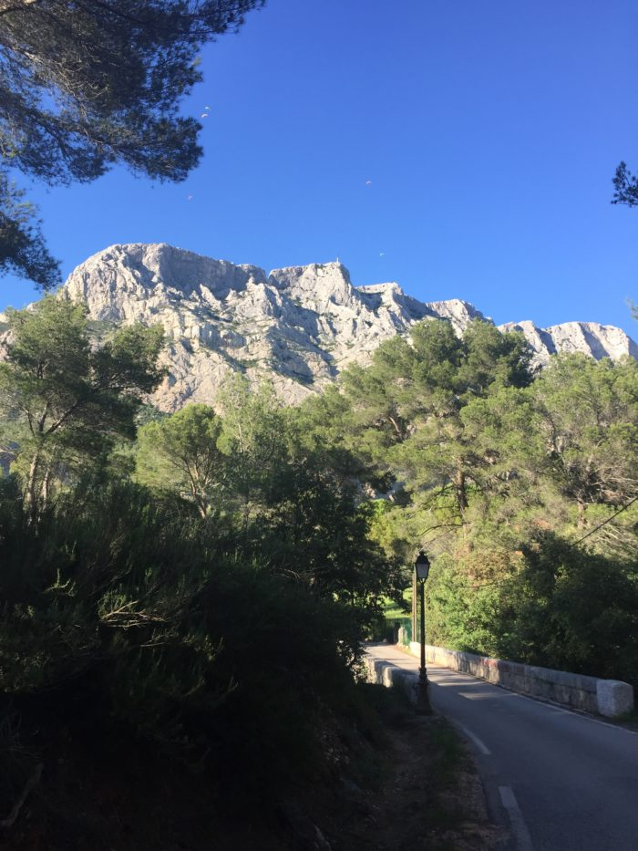 Sainte Victoire mountain is yours !