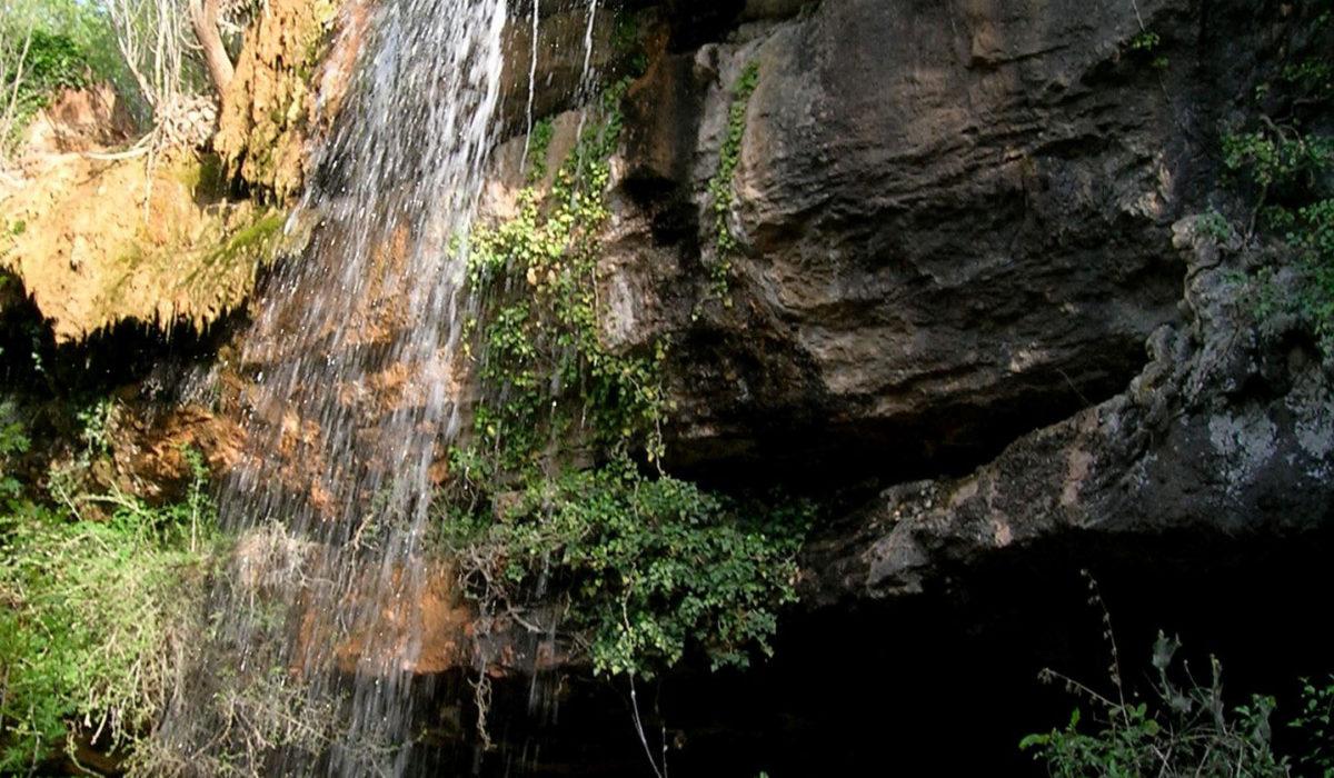 Le Moulin en Provence_Waterfall